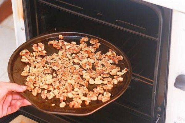 Как очистить грецкие орехи от скорлупы – способы, правильное хранение