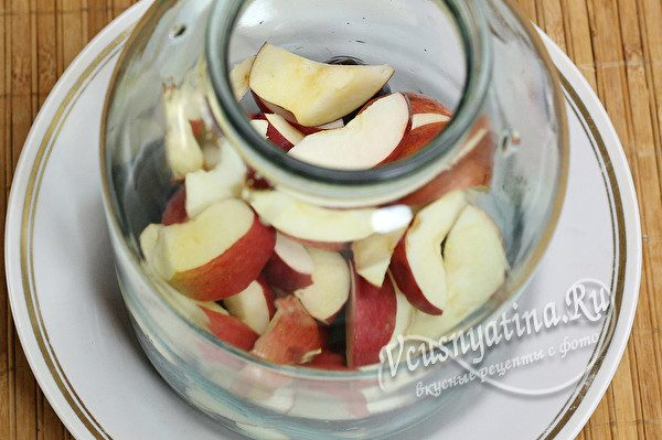 фрукты выложить в банку