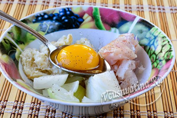 добавим яйцо