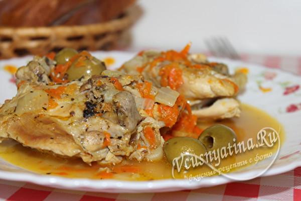 тушеная курица с оливками готова
