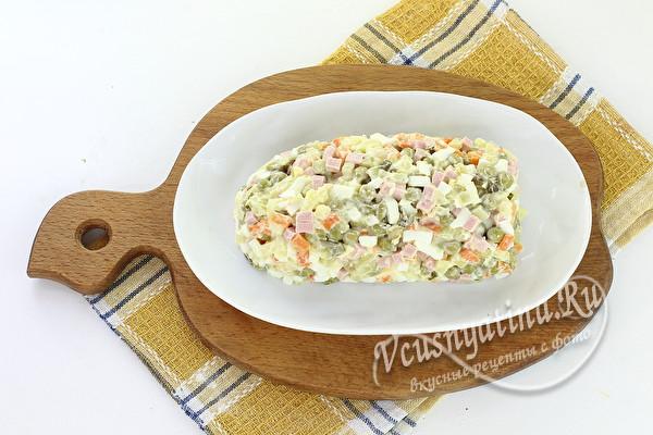 перевернуть салат на тарелку
