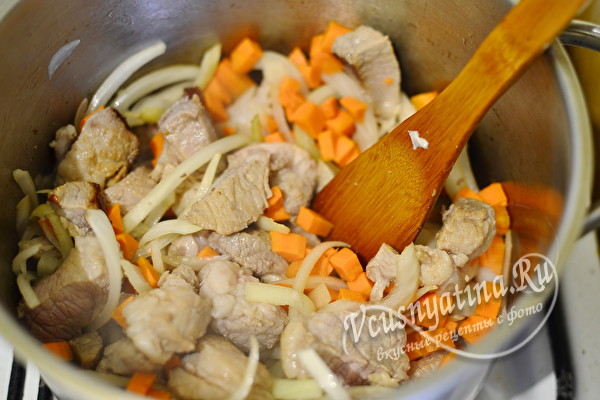 Обжарим морковь