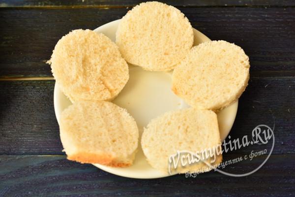 подготовленные кусочки хлеба