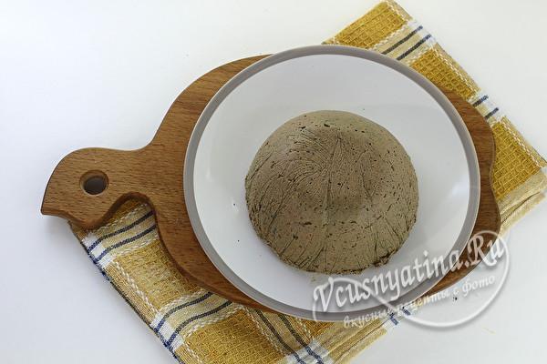 выложить паштет на тарелку