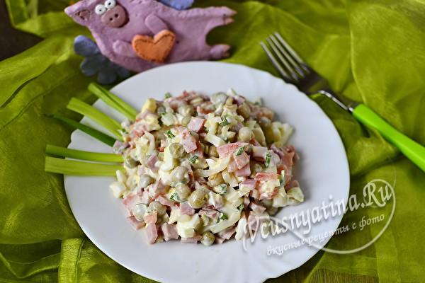 """Вкусный и простой рецепт салата """"Свинья в огороде"""""""