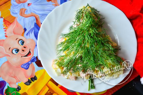 """салат """"Елочка"""" с вареной колбасой"""