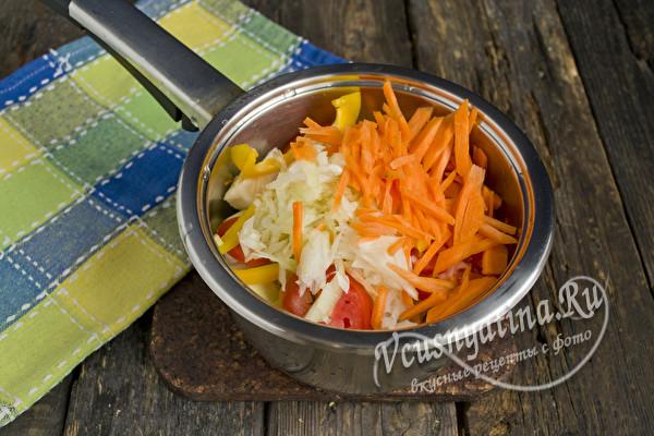 Добавить морковь соломкой