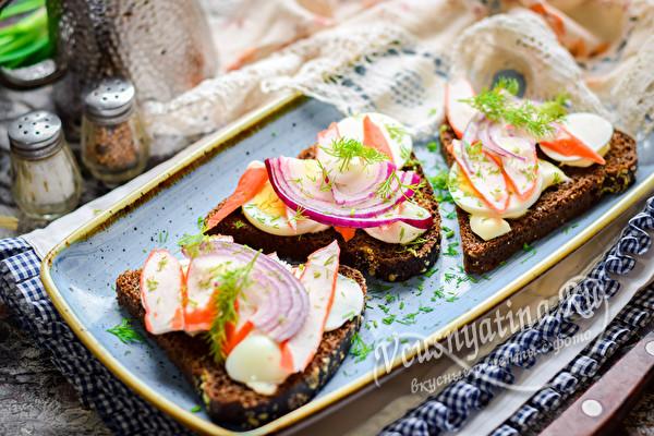 бутерброды с палочками