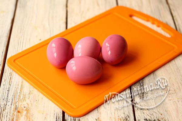 яйца окрасились