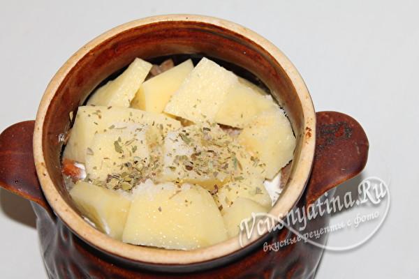 слой картофеля со специями