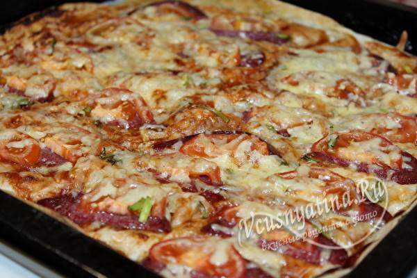 пицца из лаваша с колбасой