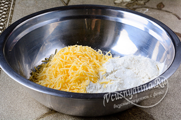 мука и сыр