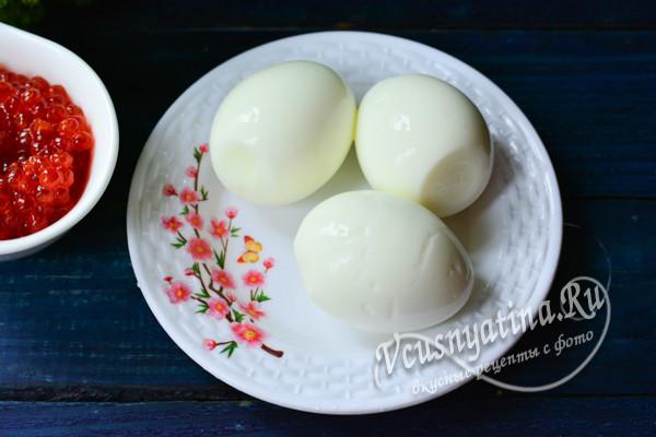 очистить яйца
