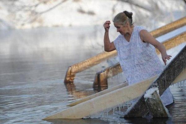 Какого числа Крещение в 2021 году и когда нужно купаться в проруби