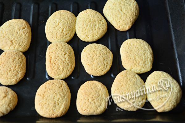 выпекать печенье