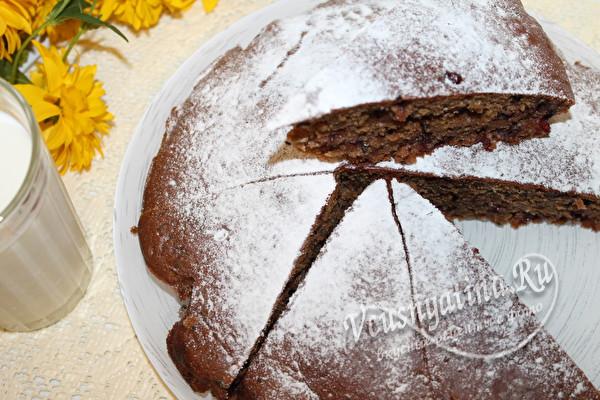 нарезаем на кусочки пирог
