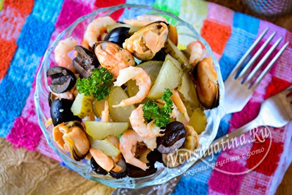 готовый салат с морепродуктами