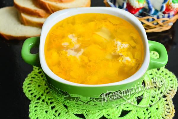 суп с куриными фрикадельками готов