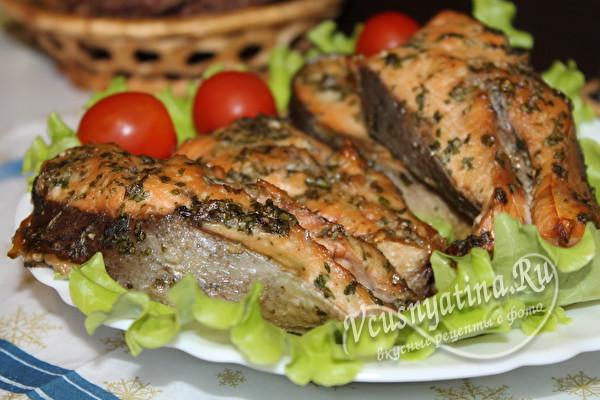 подаем рыбу с овощами