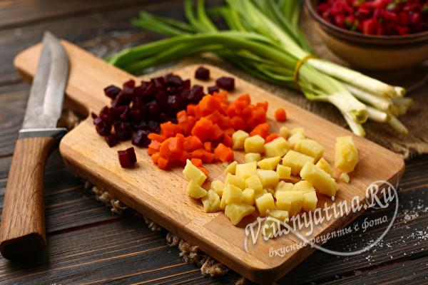 Сваренные овощи для винегрета