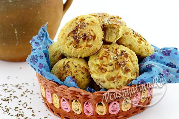 свежие булочки из капусты