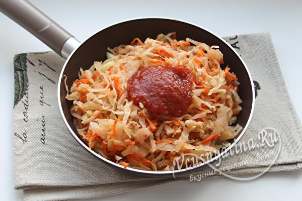 квашеная капуста и томатная паста