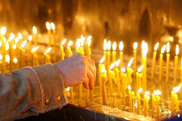 ставим свечи