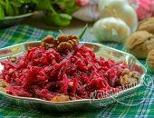 Простой салат из свеклы с орехами