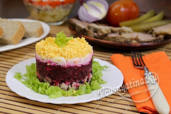 Салат с мясом и свеклой