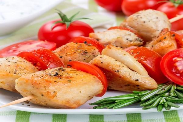 куриный шашлык с помидорами
