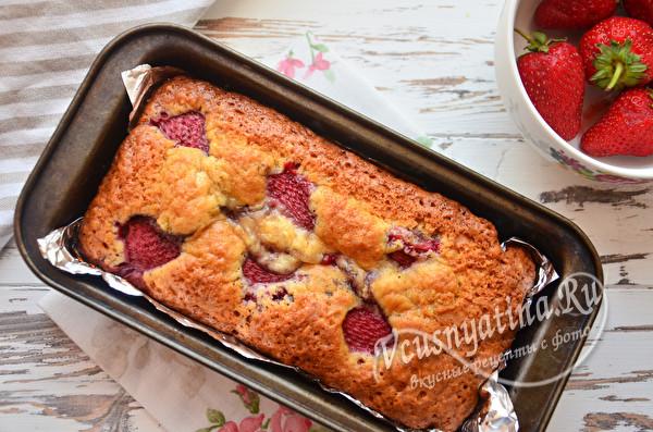 готовый пирог остывает