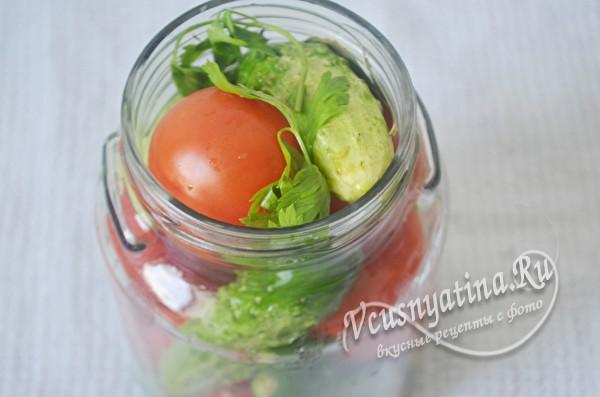 укладка томатов и огурцов