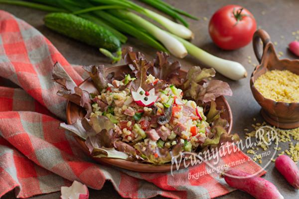 салат с ветчиной и овощами