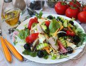 """Салат """"Средиземноморский"""" с тунцом и овощами"""