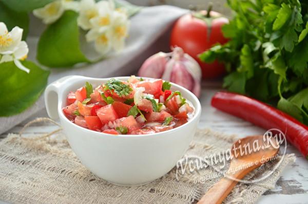 соус из томатов и кинзы