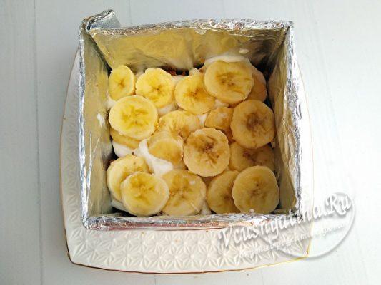 кладем банан