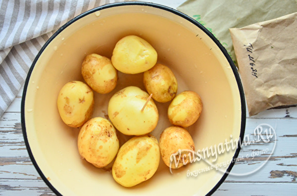 вымытый картофель