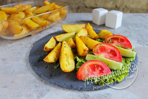 картофель молодой с приправами
