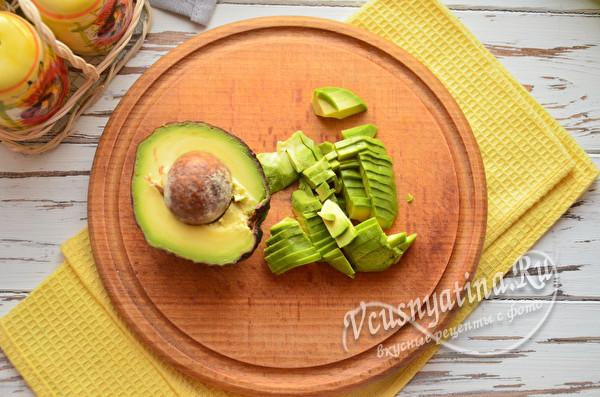 измельченный авокадо