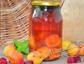 Компот из абрикосов и малины