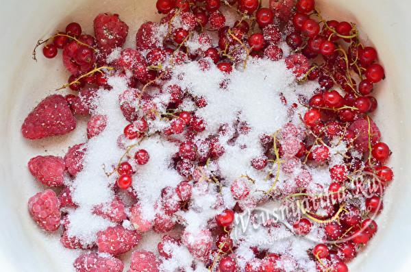 ягода под сахаром
