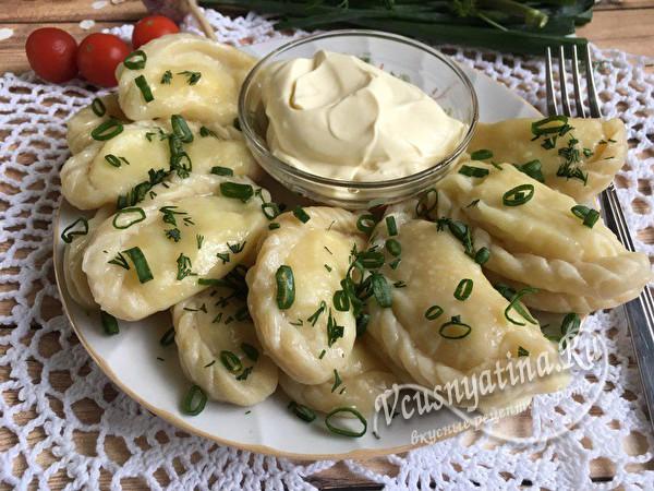 Вареники с картошкой и жареным луком