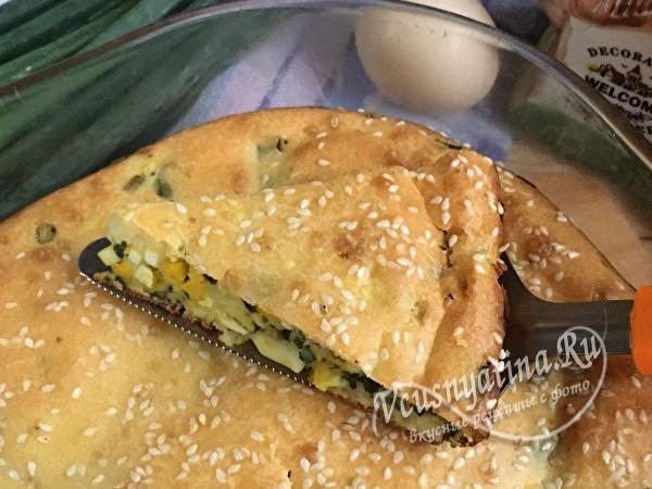 луковый пирог с яйцами