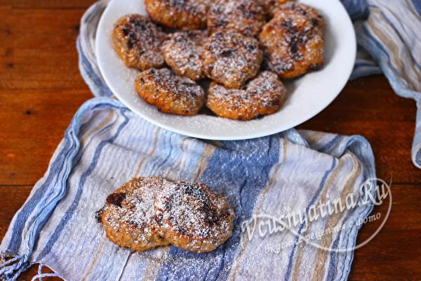 овсяное печенье с шоколадом и курагой