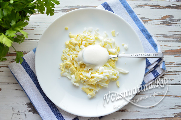 вареные яйца с майонезом