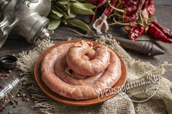 свиная колбаса в натуральной оболочке