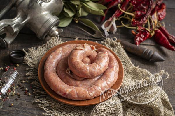колбаса из свиного мяса