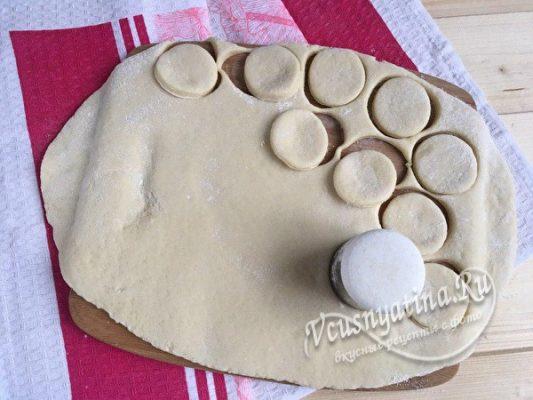вырезать заготовки печенья