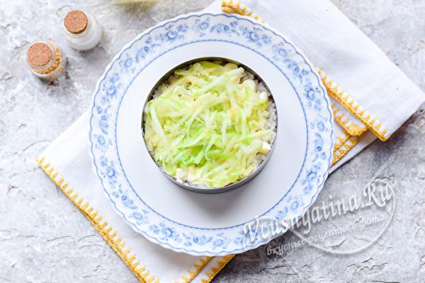 слой риса и яблок