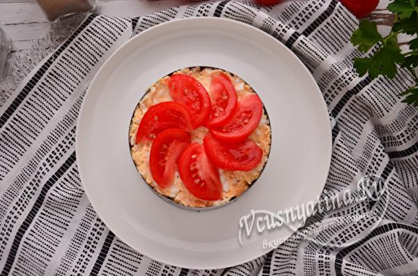 украсить томатом